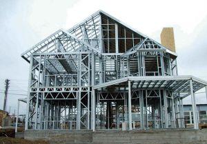 O alumínio continuará a ser um metal importante para o futuro, devido à sua resistência, leveza e potencial de reciclagem.
